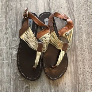 *~* STEVE MADDEN Casual Sandals Size 9 *~*